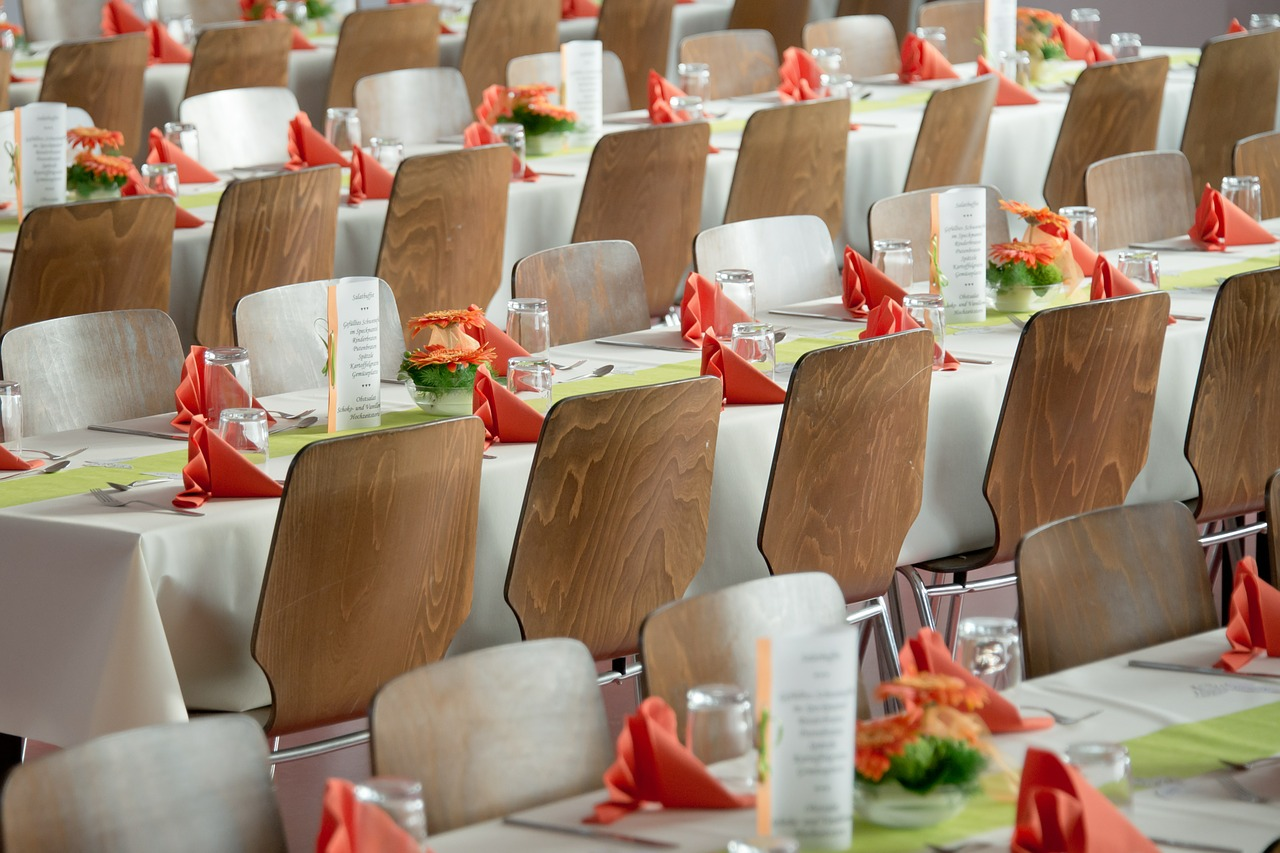 Wedding Chapel: Limit your guest list to your close friends and family