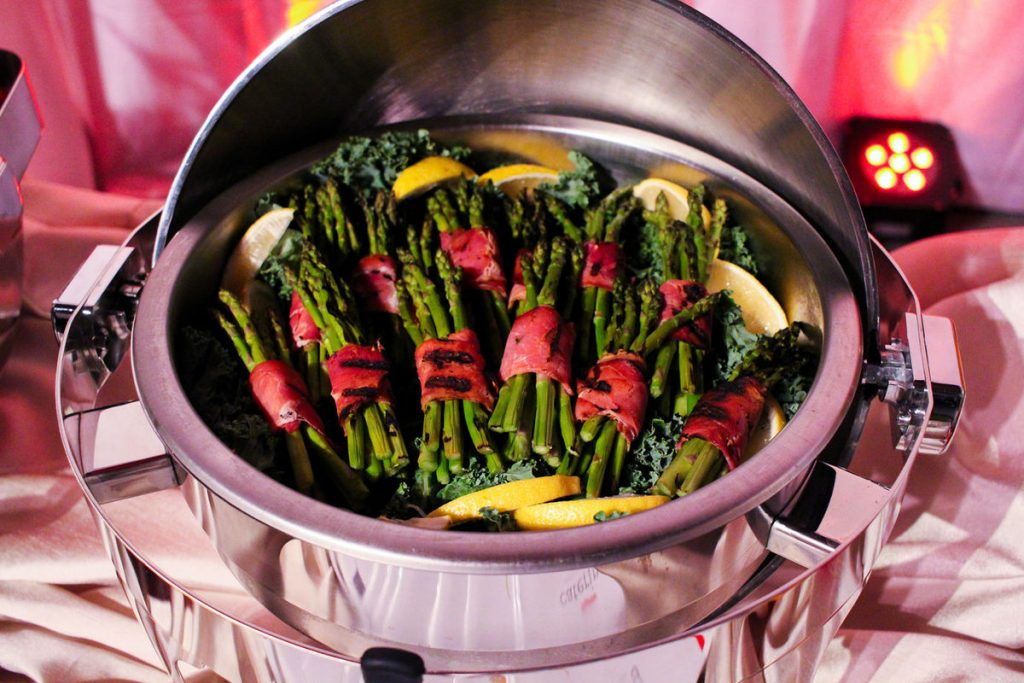 Wedding Planning 101: 8 Essential Catering Tips